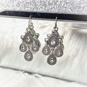 🆕 G.H. Bass & Co. Dangle Earrings